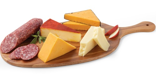 Cheddar-Flight-with-Salami